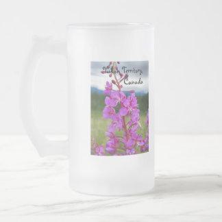 Primer del Fireweed; Territorio del Yukón, Canadá Taza De Cristal