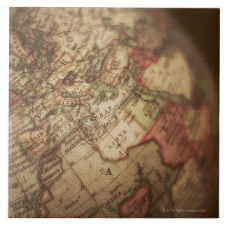 Primer del globo antiguo 3 teja  ceramica