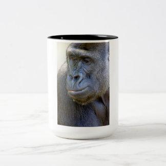 Primer del gorila taza de café de dos colores