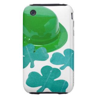 primer del gorra y del trébol del día de un St Pat Tough iPhone 3 Cárcasas