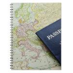 Primer del pasaporte que miente en mapa europeo libros de apuntes