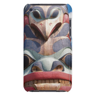 Primer del tótem en Sitka, Alaska, los E.E.U.U. iPod Touch Case-Mate Protectores