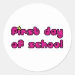 Primer día de escuela etiquetas redondas