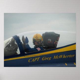 Primer en la carlinga de capitán Greg McWherter. Póster
