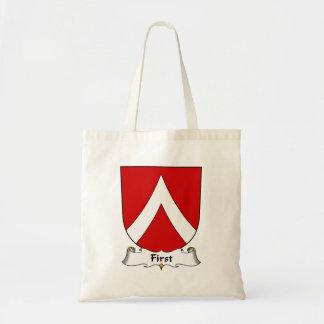 Primer escudo de la familia bolsa de mano
