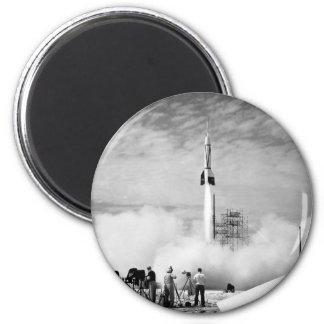 """Primer lanzamiento de Rocket, Cabo Cañaveral, """"par Imán Redondo 5 Cm"""