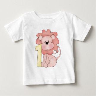 Primer león del cumpleaños (rosa) remeras