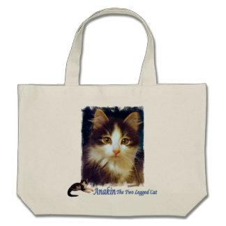 Primer lindo de la bolsa de asas del gatito del ga