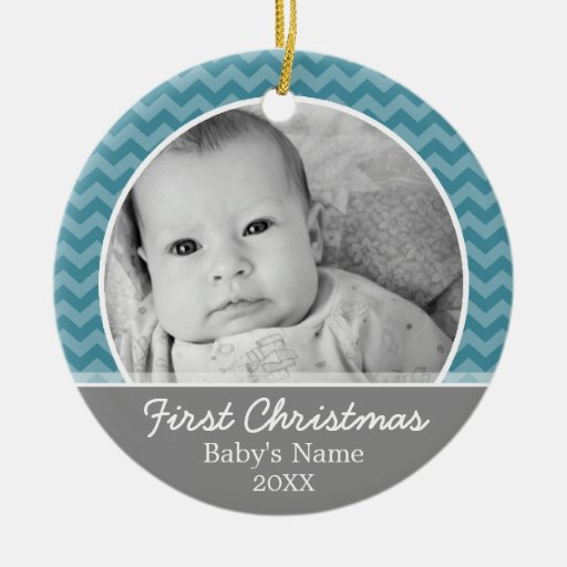 Primer navidad de Babys - galones azules y gris Adorno Redondo De Cerámica