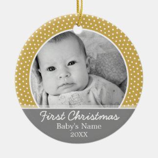 Primer navidad de Babys - puntos amarillos grises Adorno Redondo De Cerámica