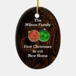 Primer navidad de madera en el nuevo ornamento de  ornamento de reyes magos