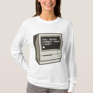 Primer ordenador retro playera