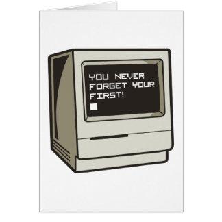 Primer ordenador retro tarjeta de felicitación