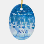 Primer ornamento del cascanueces de su bailarín adorno navideño ovalado de cerámica