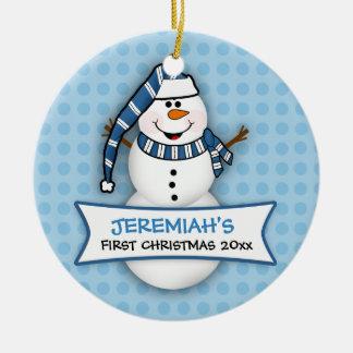 Primer ornamento del muñeco de nieve del navidad adorno redondo de cerámica