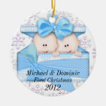 Primer ornamento del navidad de los gemelos ornato