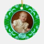Primer ornamento del navidad del bebé verde de la ornatos
