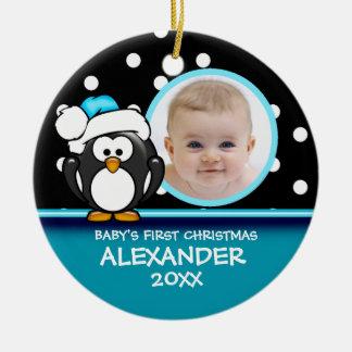 Primer ornamento del pingüino del navidad del bebé ornato