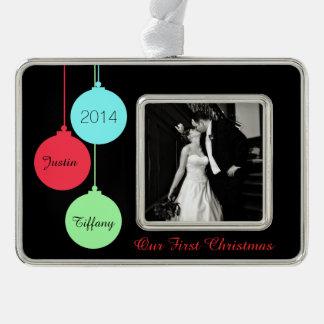 Primer ornamento moderno del navidad de la foto