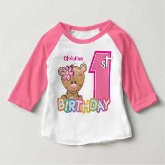 Primer oso de peluche del cumpleaños de la niña playera de bebé