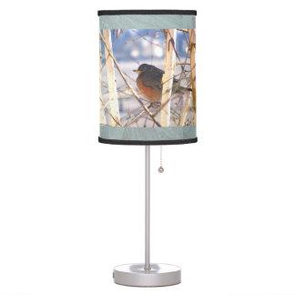 Primer petirrojo de la primavera lámpara de escritorio
