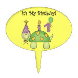 Primer primero de la torta de cumpleaños de la tor figuras de tarta