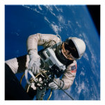 Primer Spacewalk americano (géminis 4) Póster