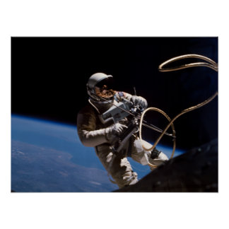 Primer Spacewalk americano géminis 4 Posters