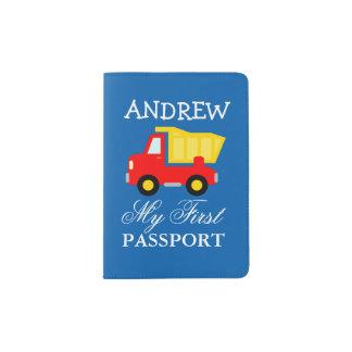 Primer tenedor del pasaporte del bebé con el porta pasaporte
