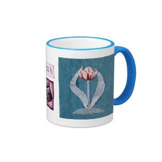 Primer tulipán de los diseños de rubíes de las ala tazas de café