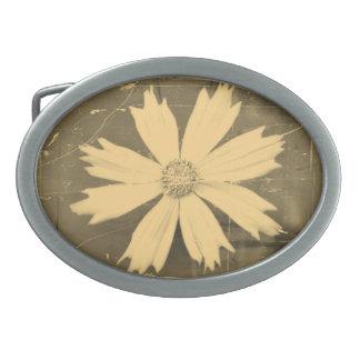Primer viejo de la flor del cosmos del amarillo de hebillas de cinturón ovales