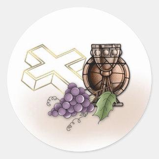 Primera cáliz de la comunión, cruz, uvas etiqueta redonda
