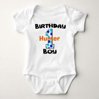 Primera camisa del muchacho del cumpleaños