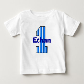 Primera camisa rayada azul del muchacho del