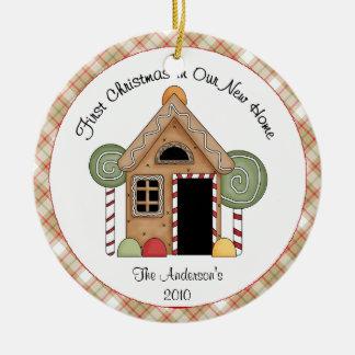 Primera casa de pan de jengibre casera del navidad adorno navideño redondo de cerámica