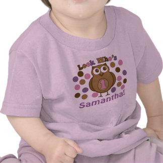 Primera mirada del chica del cumpleaños que es una camisetas