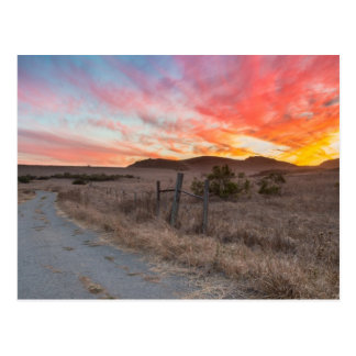 Primera puesta del sol del día postales