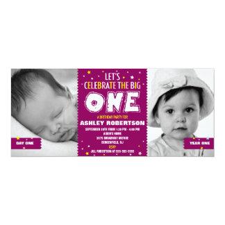 Primera púrpura del cumpleaños del bebé comunicado personal