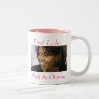 Primera señora Michelle Obama - modificada para Taza Dos Tonos