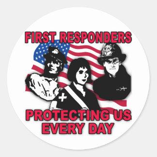 Primeras camisetas de los respondedores, bolsos, pegatina redonda