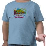 Primeras camisetas y regalos alegres del cumpleaño