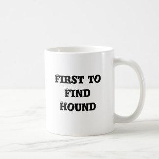 Primero para encontrar la taza del perro