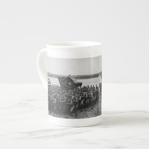 Primero para luchar - infantes de marina de los taza de porcelana