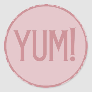 Primeros rosados de la magdalena del cumpleaños de etiquetas redondas