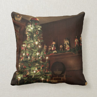 Primitive Colonial Country Christmas Holiday Throw Pillow