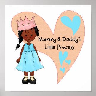 Princesa afroamericana de la mamá y del papá póster