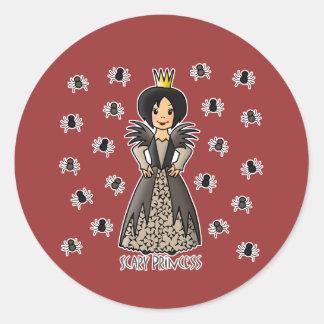 Princesa asustadiza pegatina redonda