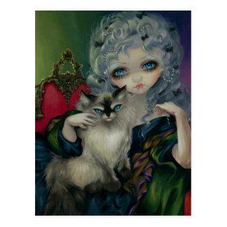 Princesa con la postal de un gato de Ragdoll
