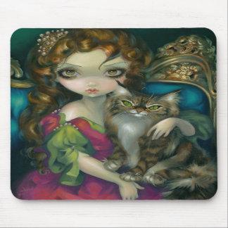 """""""Princesa con un gato de Coon de Maine"""" Mousepad"""