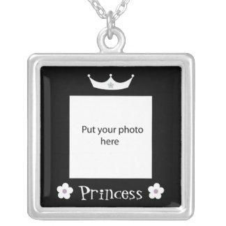 Princesa Crown Black Border Template añade la foto Colgante Cuadrado